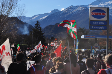 "A ""No TAV"" march, 25/02/2012, from Bussoleno to Susa. Photo reproduced under Creative Commons License BY-SA"