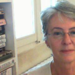 Σύντομο βιογραφικό Maria Grazia Pozzi