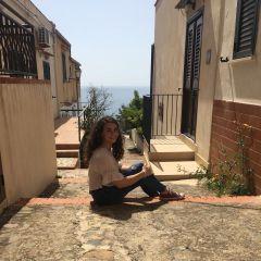 mini-profilo di Rebecca Crisanti